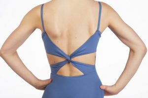 mc102-capezio-twist-back-leotard-blue-front_no2